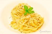 Spaghetti aglio e oglio