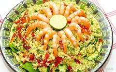Salată de couscous și creveți