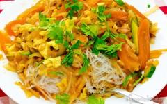 Fidea de soia cu legume și ou